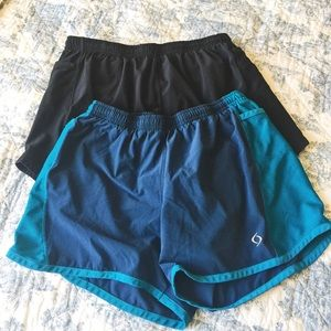 2 Athletic Shorts with side pockets